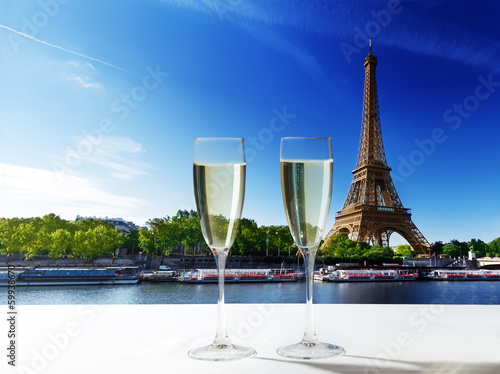 champaign Glasses and  Eiffel tower in Paris