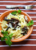 pasta with parmesan cheese and mushrooms