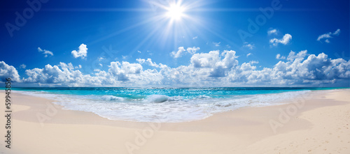 Staande foto Strand tropical beach and sea - landscape