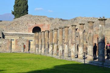 Помпеи, древнеримский город – всемирное наследие ЮНЕСКО. Италия
