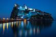 Leinwanddruck Bild - aragonese castle in the night