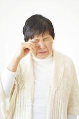 泣いている女性のイメージ