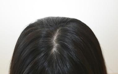 40代女性の髪の毛のイメージ