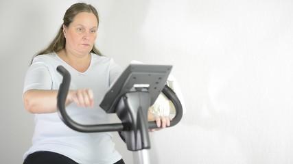 Frau macht Fitness für die Gesundheit