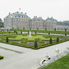 palace and gardens,Paleis Het Loo Castle,Netherlands