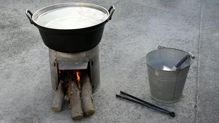 簡易かまどと鍋