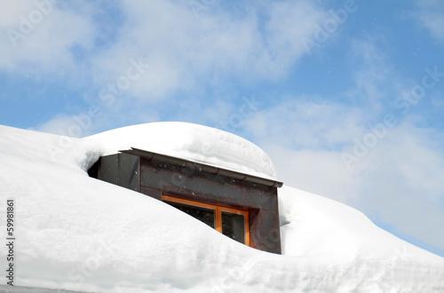 eingeschneite Dachgaube