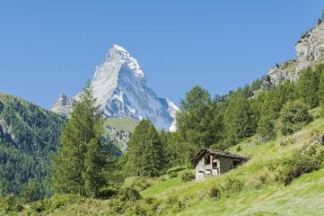 Zermatt, Schweizer Alpen, Alpenwiesen, Steinhäuser, Matterhorn