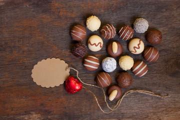 Herz aus Schokoladentrüffeln