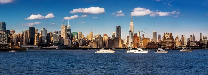 Panoramic view of the midtown Manhattan skyline