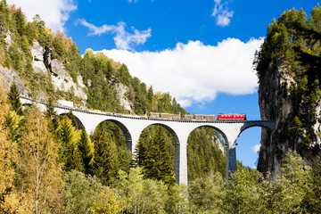 train on Rhaetian Railway, Landwasserviadukt, canton Graubunden,