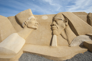 Sand sculpture of ramses II and nefertari