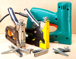 staplers electrical and manual mechanical