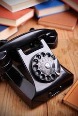 telefono retrò di colore nero