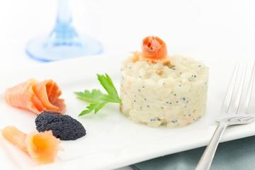 riso con salmone affumicato e caviale