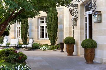Terrasse et jardin dans un hôtel particulier français