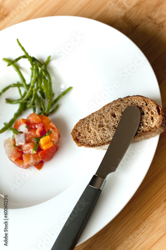 Tartare de poissons et salicornes