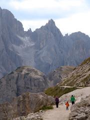 Wanderer in den Sextener  Dolomiten - Alpen