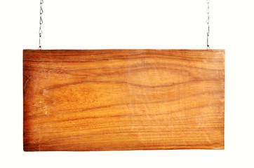 altes Holzschild hängt Kette