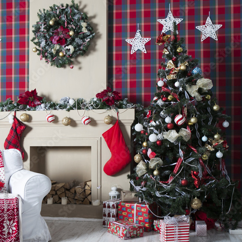 Christmas Tree, Christmas gift boxes in interior - 60074617