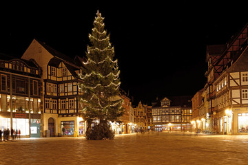 Weihnachtsbaum auf Marktplatz