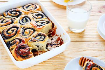 mini buns with poppy seeds