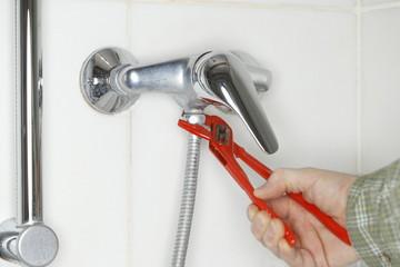 Duschschlauch montieren