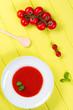 frische tomatensuppe mit basilikum