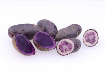 紫色のジャガイモ