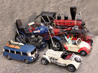 Collection vintage metal cars