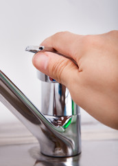 Hand Opening Chrome Water Tap