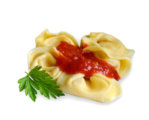 Tortelloni mit Käsefüllung und Tomatensoße