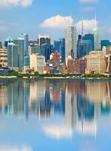 New York City États-Unis, les bâtiments du centre-ville avec la réflexion