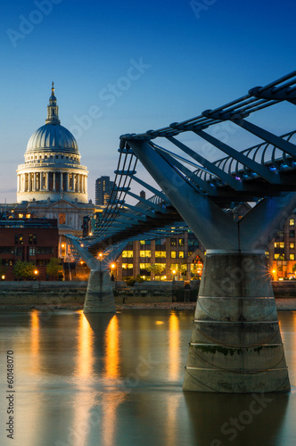 St. Paul's cathedral at twilight