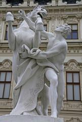 Skulptur Bändiger des Rosses vor Schloss Belvedere in Wien (3)