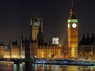 Westminster palace and Big Ben at night, London, december 2013