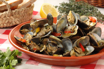 portuguese clams traditional dish-mediterranean diet