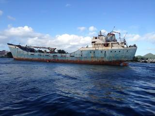 abandonned boat