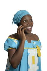 Afrikanische Frau mit Telefon