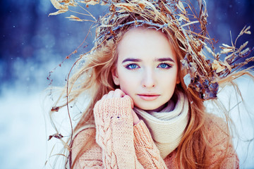 Young woman winter fashion portrait.