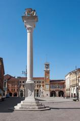 Rovigo - Piazza Vittorio Emanuele di giorno