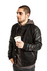 Mann mit Kaffeebecher - freigestellt