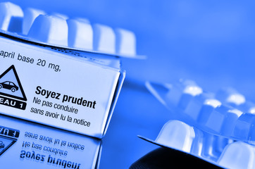 boite de médicaments et recommandation