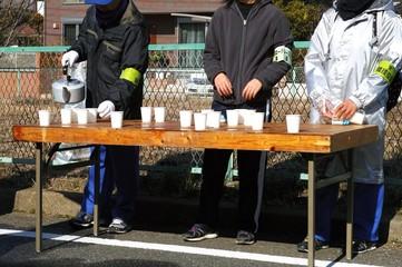 市民マラソン大会の給水所