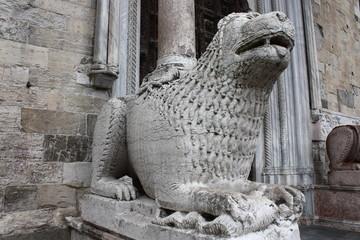 Leone stiloforo del Duomo di Parma