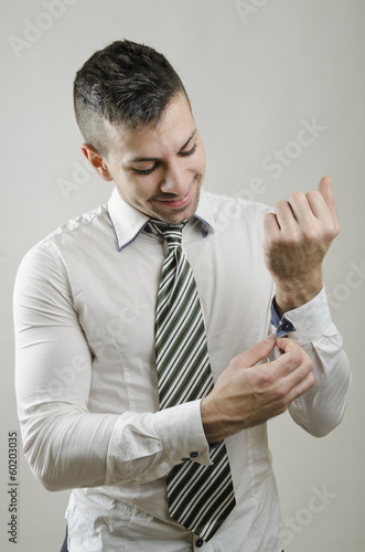 Adjusting cufflinks
