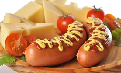 Detalle de salchichas y queso