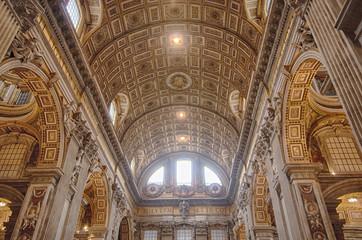 Roma, Interno della Basilica di San Pietro.