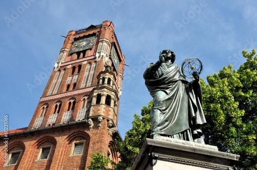 Nicolaus Copernicus monument in Torun, Poland - 60231066