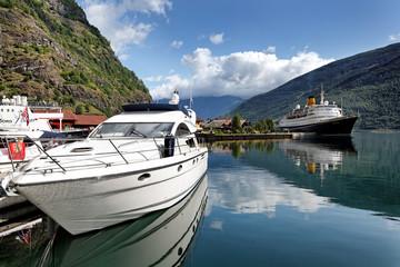 Hafen von Flåm am Aurlandsfjord